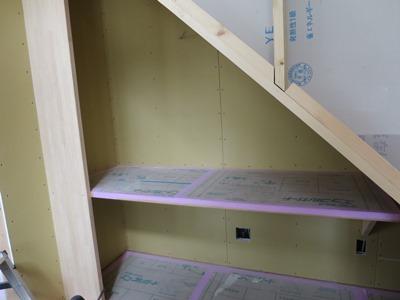 階段下のPCコーナー