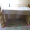 造作洗面台と板壁貼り