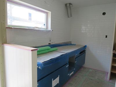 キッチン前壁タイル