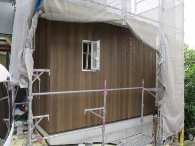 外壁の板貼り