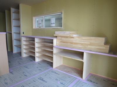 キッチン背面カウンター収納