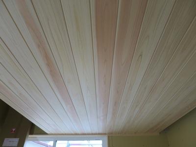 桧天井板張り