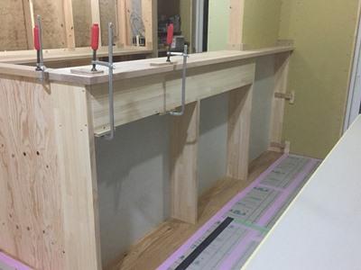 キッチン対面の造作収納