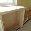 木製モールディングと塗装仕上げ