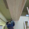壁と天井の板貼り仕上げ