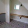 階段下デスクコーナーとアイアン物干しバー