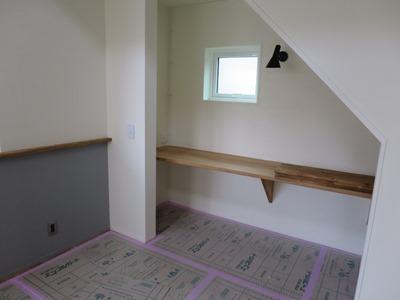 階段下デスクコーナー