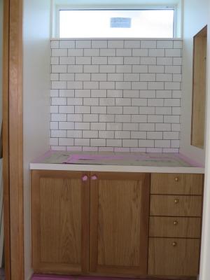 洗面前壁タイル