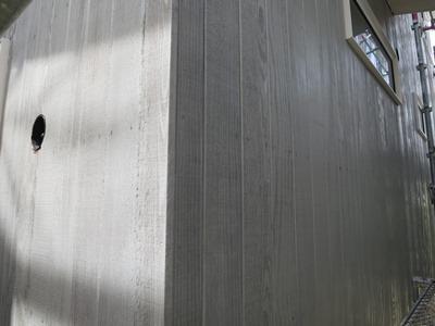 外壁板張り塗装仕上げ