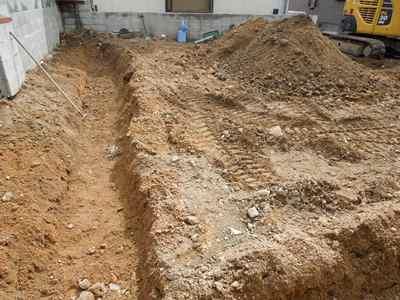基礎工事掘方