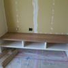 木製スリット手摺と造作テレビ台