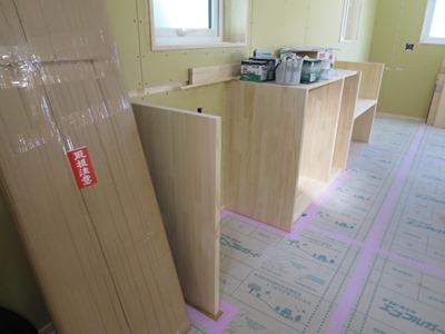 キッチン背面の造作収納