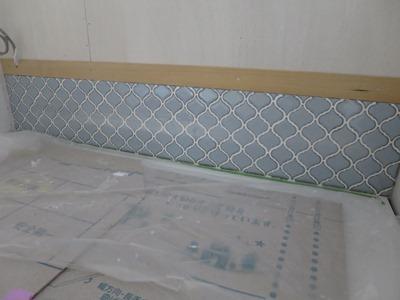 洗面台前壁タイル