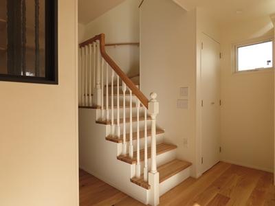 階段木製スリット手摺