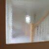 飾り棚とデザインガラス
