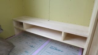 階段造作と造作テレビ台